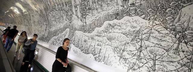 La frise de Joe Sacco dans le métro (photo LA Times)
